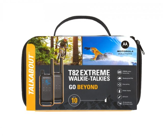 Motorola T82 Extreme Talkabout Two-Way Radio Twin Pack